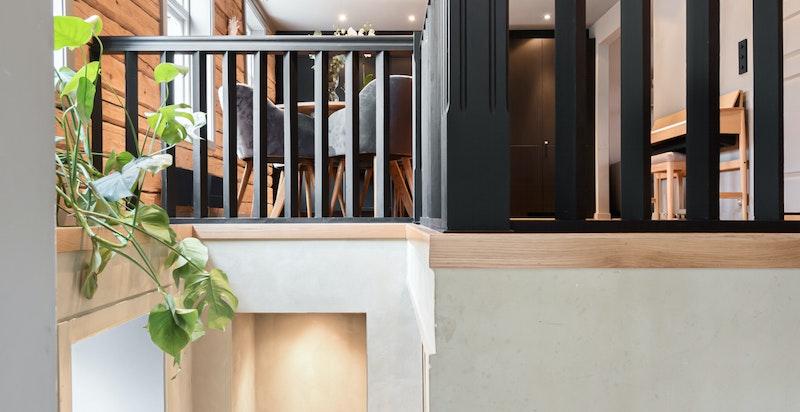 Moderne og gjennomført leilighet over 2 plan.