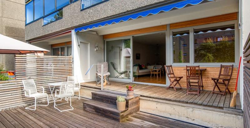 Terrasse - moderne vinduer til leiligheten