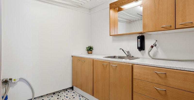 Vaskerom i leiligheten i underetasjen