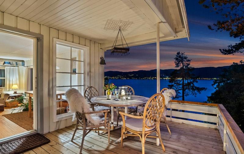 Kveldsbilde fra terrassen