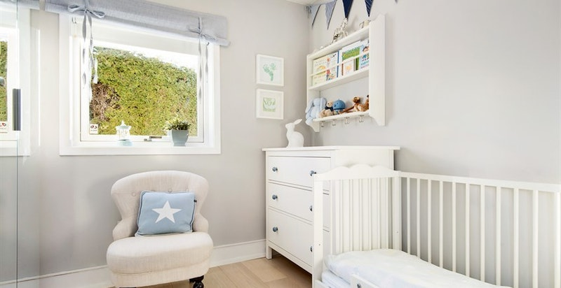 Bilde fra forrige eier for å vise rommet brukt som barnerom
