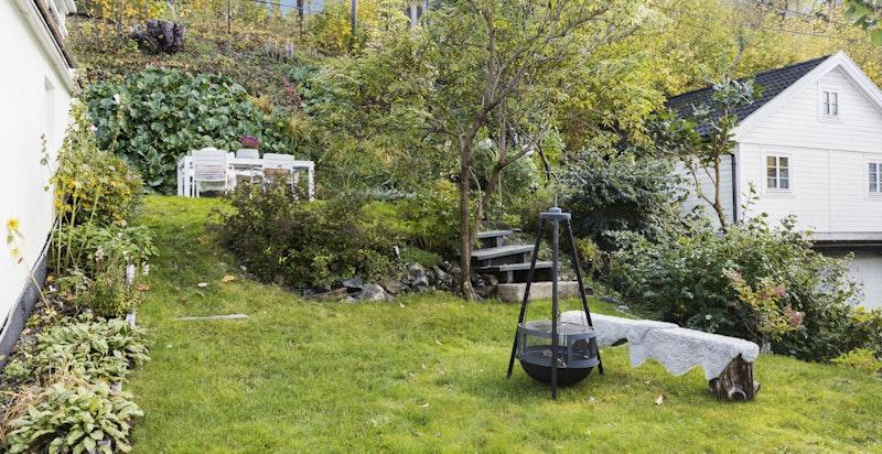 Koselig bålplass i hagen