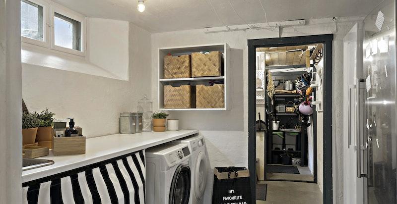 Vaskerom - med to boder innenfor