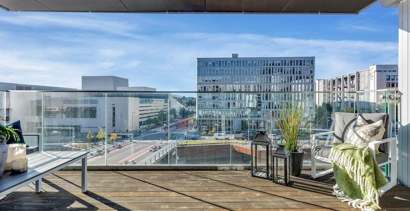 Boligen ligger i flotte omgivelser med Operaen og nye Munch museet som nærmeste naboer.
