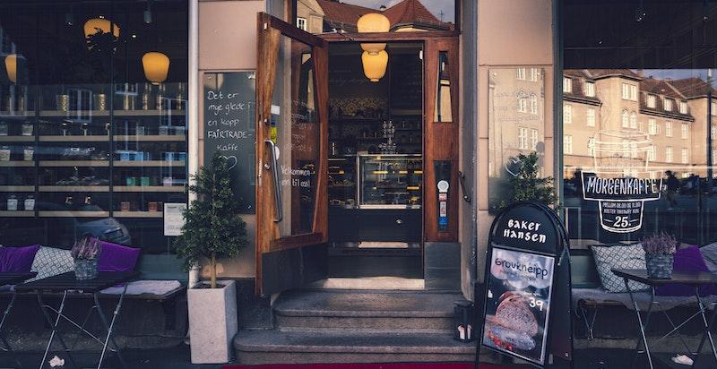 St.Hanshaugen er trolig byens mest populære bydel. Området kjennetegnes av store parker, nisjebutikker og egne rariteter. Her er har du inngangen til Gutta på Haugen som kanskje en av bydelens mest kjente dagligvareforretning.