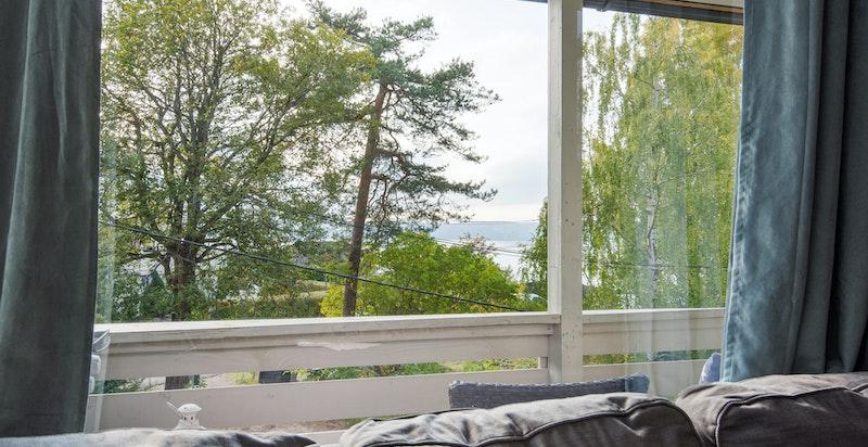 Utsikt til sjøen fra leiligheten