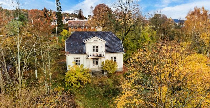 Dronebilde  av eiendommen