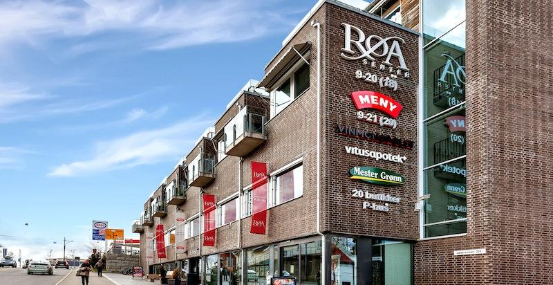 Kjøpesenteret på Røa Torg står straks ferdig, for øvrig er det et godt tilbud av butikker, serveringssteder og tjenester på Røa.
