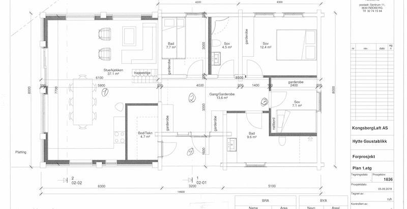 Planløsning plan 1 - trapp er snudd der sofa er skissert for å skape bedre rom