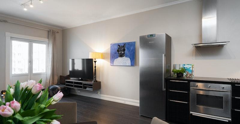Kjøkkenhjørne med åpen løsning til stuen