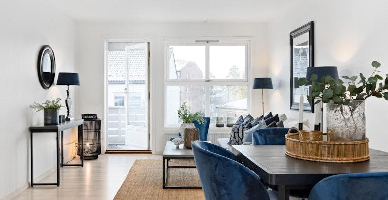 Leiligheten har nytt gulv og nymalte flater fra 2020.