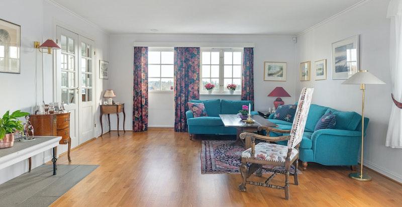 Fra den hyggelige, lyse stuen