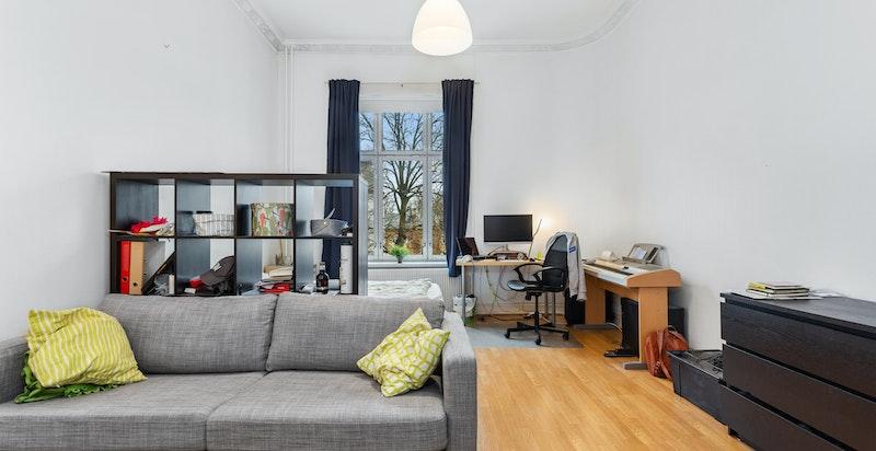 Alle de fire soverommene i leiligheten er av god størrelse