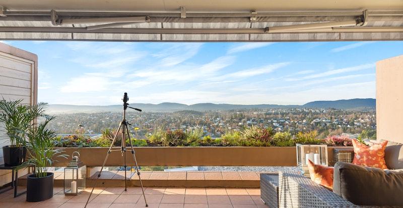 Herlig panoramautsikt fra terrassen - mot vest