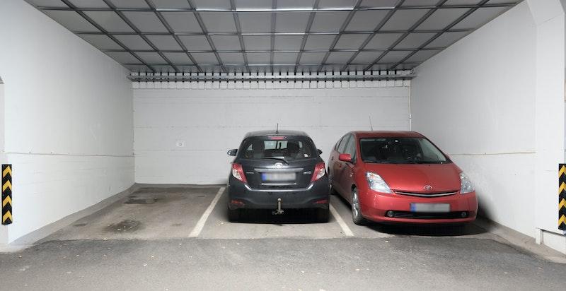 Parkeringsanlegg med 1 plass under leiligheten (plass nr. 11)