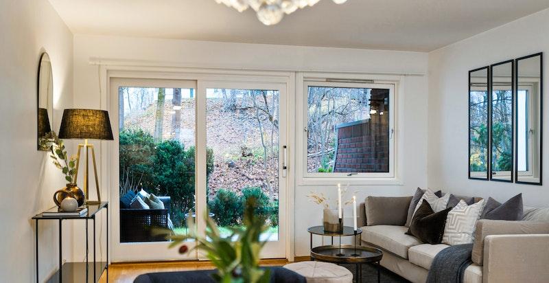Leiligheten er arealeffektiv og er meget lett å møblere med både sofa og spisestue.