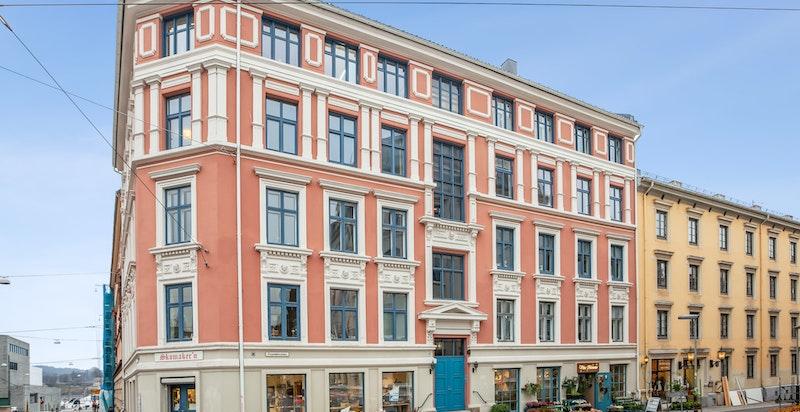 Fasade Ruseløkkveien 50 med alle fasiliteter i umiddelbar nærhet