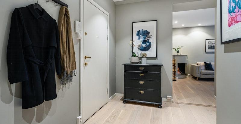 Det er også plass til ytterligere garderober i entreen om det er ønskelig med mer oppbevaring.