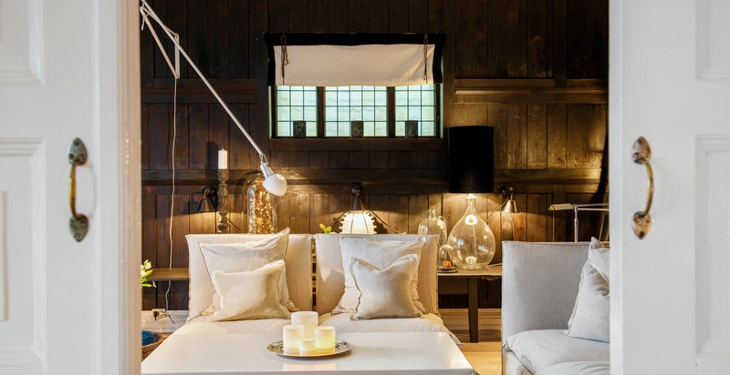Et hyggelig allrom med god plass til nære og kjære.