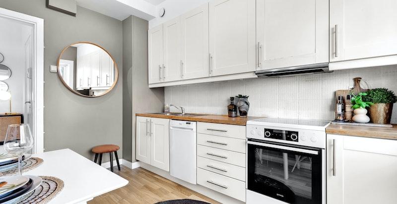 Man kan søke styret om å flytte kjøkkenet ut i stuen for å etablere soverom.