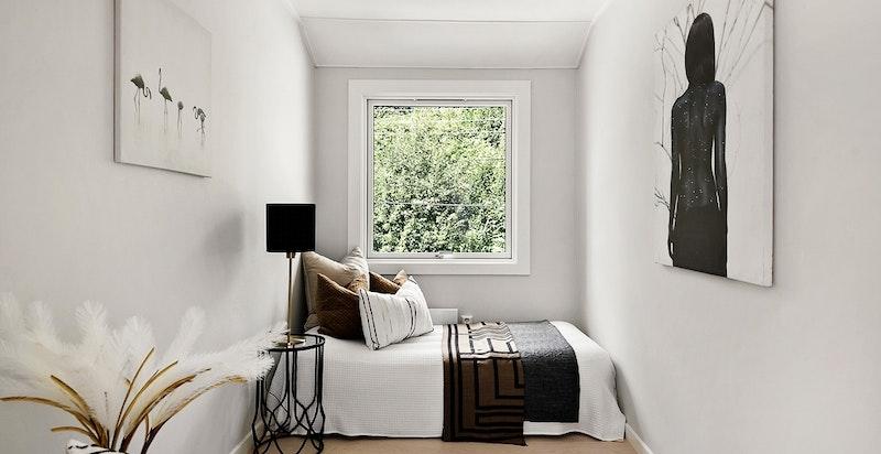 Soverom nr 2 - en-stavs parkettgulv også på soverom
