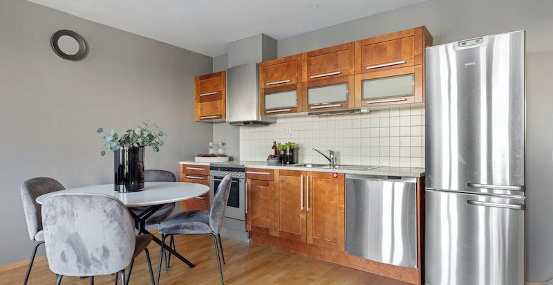 Plass for spisebord mellom kjøkken og stue