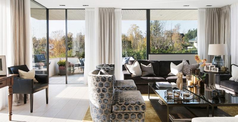 Rålekker leilighet med svært pen og påkostet standard.
