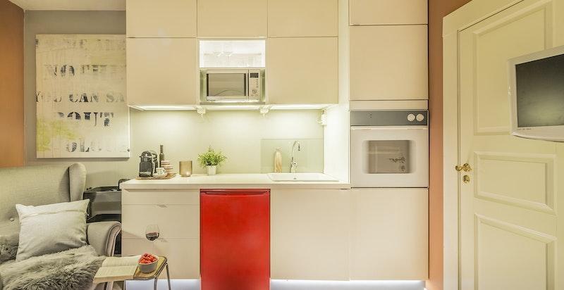 Åpen kjøkkenløsning, det medfølger også kokeplater til kjøkkenbenk
