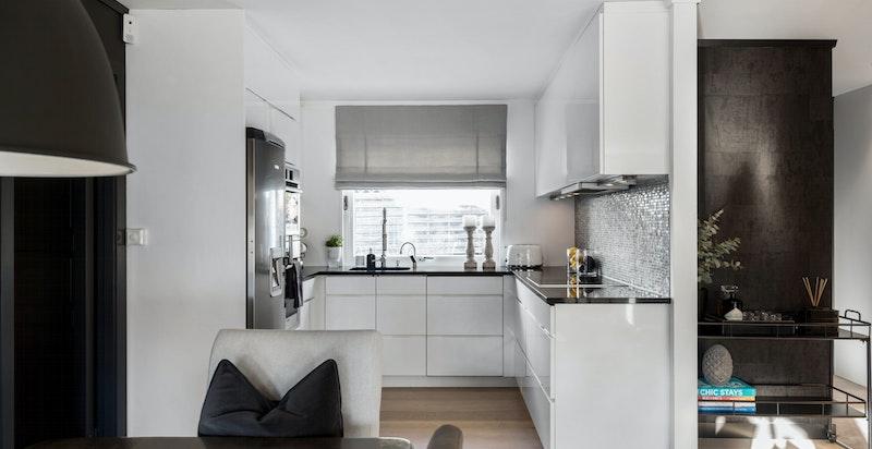 Lekkert KVIK-kjøkken i hvit utførelse.