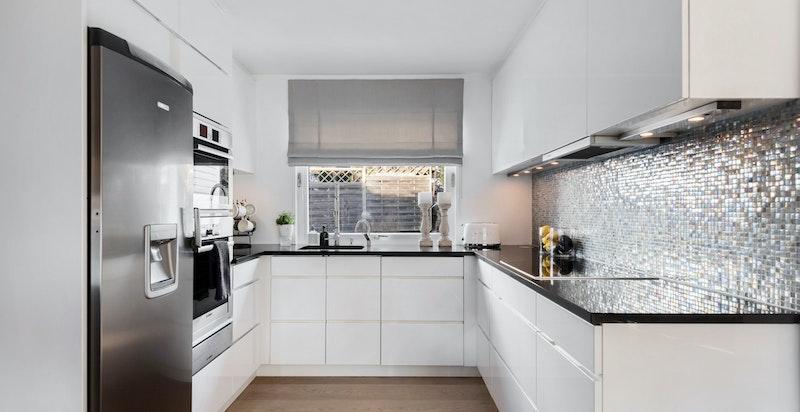 Kjøkkenet var nytt i 2009 og holder en god standard.