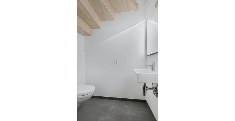 Toalett. Bildet er fra snr 1. Denne sekjonen er speilvendt