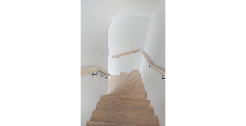Trapp. Bildet er fra snr 1. Denne sekjonen er speilvendt