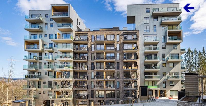 Fasade fra vest markert med leilighetens beliggenhet