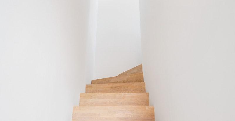 Trapp opp til takstue og takterrasse