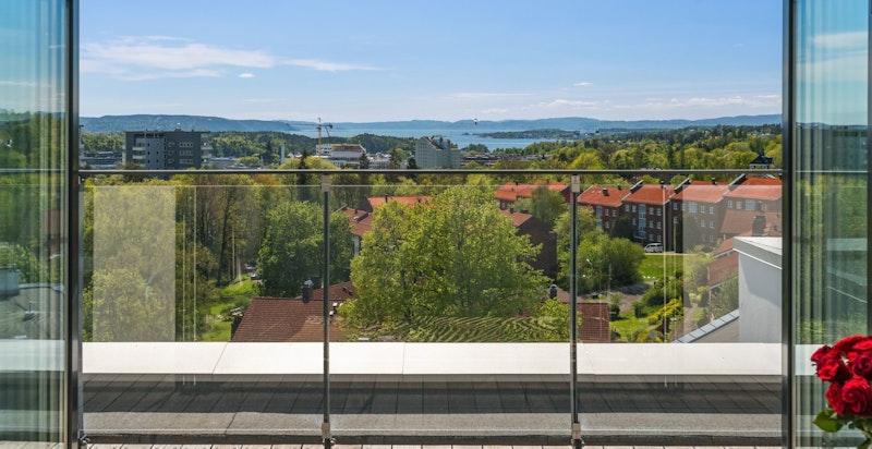 Velkommen til en helt unik og påkostet penthouseleilighet i et attraktivt boligområde bak Frognerparken