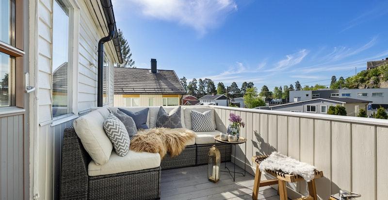 Solrik, usjenert og hyggelig terrasse på 10 kvm ut fra stue