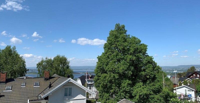 Deler av utsikten - bilde tatt fra leiligheten