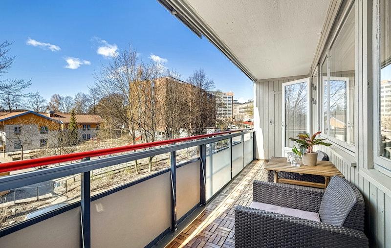 Balkongen er tilknyttet praktisk bod