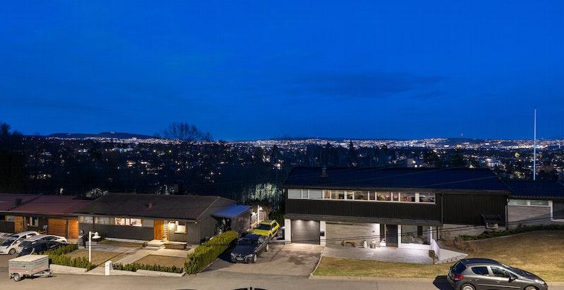 Kveldsstemning - Utsikt fra stue