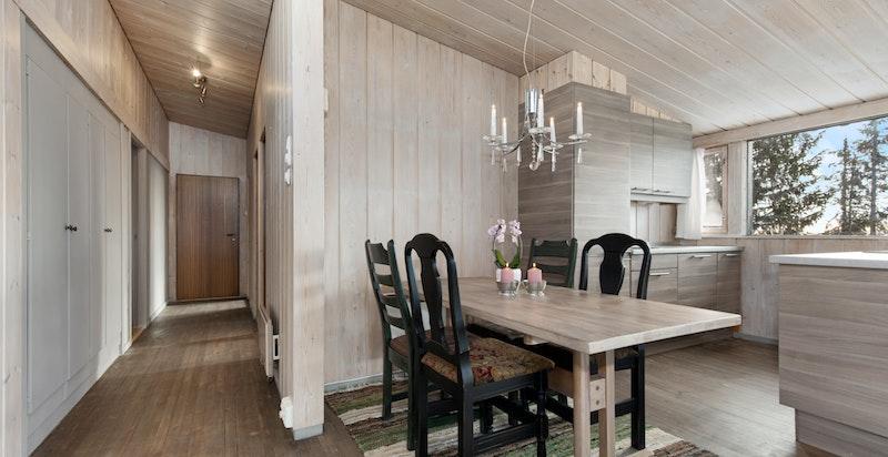 Spiseplass ved kjøkkenet