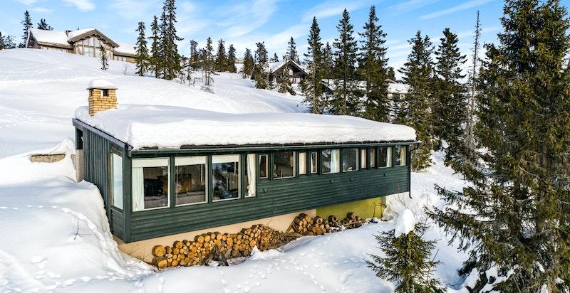 Enkel, men trivelig hytte midt i langrensløypene og med kort gangavstand til alpinanlegget