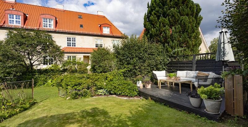 I Hagebyen bor du rolig og tilbaketrukket i en idyllisk, grønn oase.