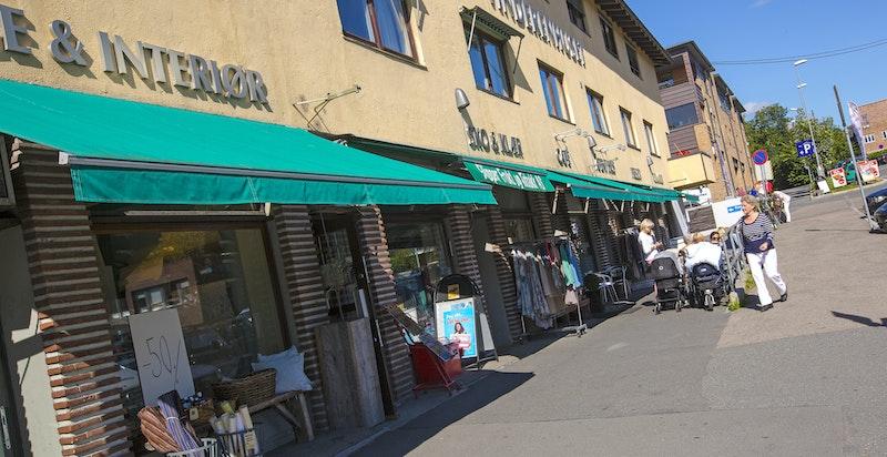 Vinderen sentrum har et godt utvalg av handel/ cafeer og andre tilbud