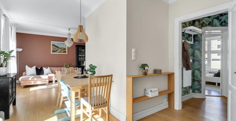 Kjøkkenet med spiseplass