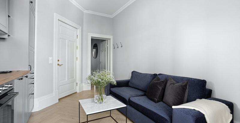 Videre har boligen etablert utleiedel med egen inngang fra baktrappen. Utleiedelen har blitt leid ut for kr. 13.500,-.