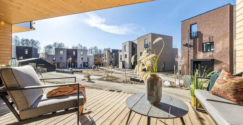 Rålekker 2-roms selveier leilighet med stor solrik terrasse.