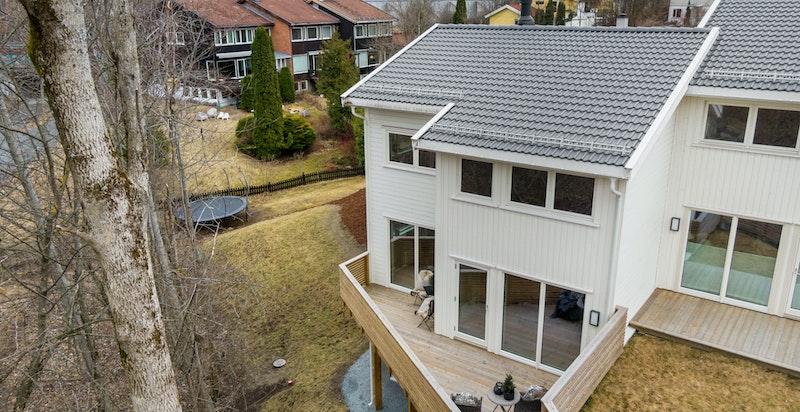 Husene er forskjøvet i forhold til hverandre- og har minimalt med innsyn