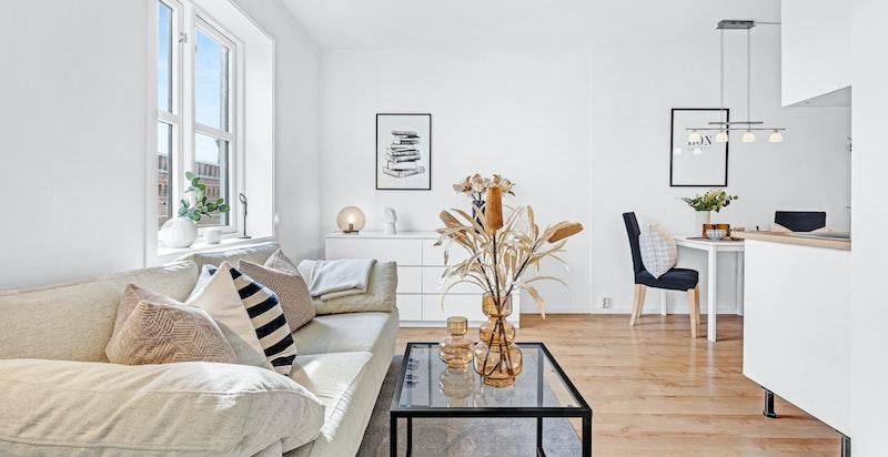 Velkommen til en super og arealeffektiv 2-roms leilighet med heis rett ved Oslo MET.