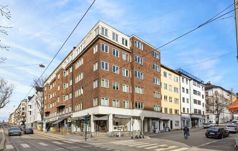 Velkommen til Thereses gate 18- En klassisk funkisgård med felles takterrasse med nydelig utsikt og solforhold