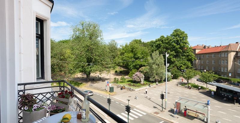 Rett over gaten finner du St.Hanshaugen park med vakre grøntarealer og turområder.